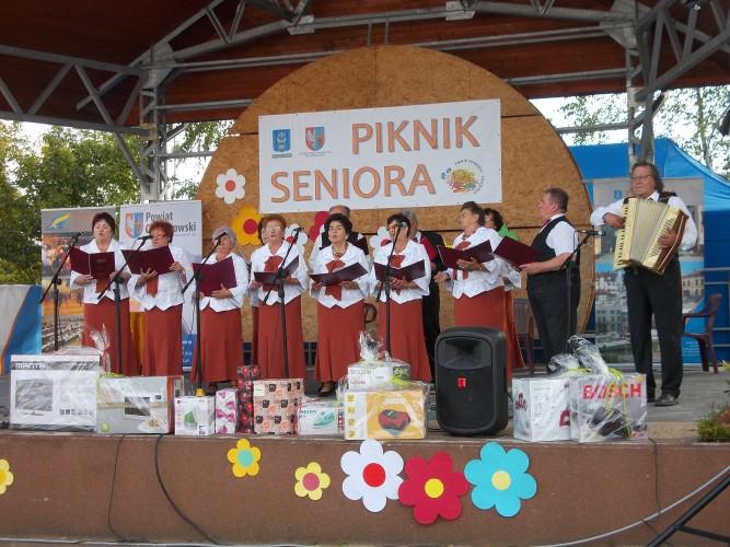 V Powiatowy Piknik Seniora w Karniowicach